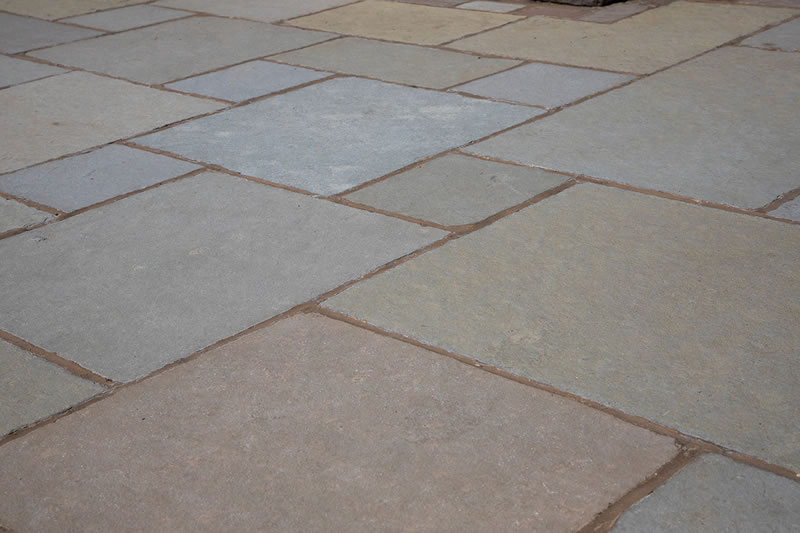 Antique Yellow Tumbled Sandstone Paving